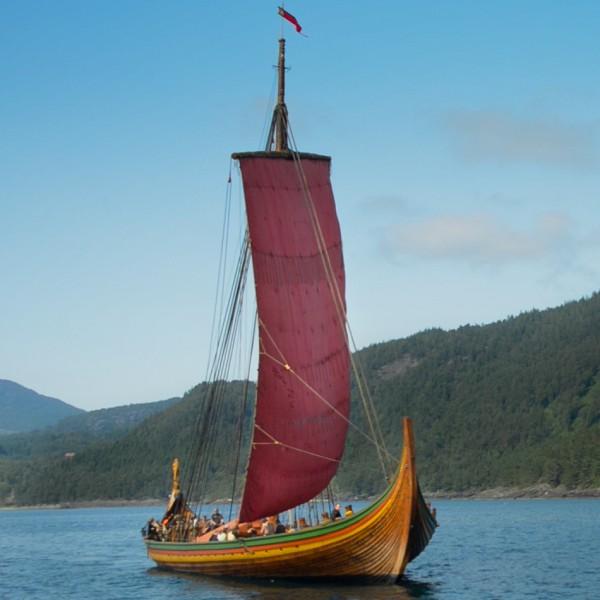 Draken Harald Hårfager vikingaskeppet